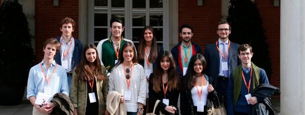 Un grupo de alumnos del curso de Gobierno de Instituciones visita Presidencia del Gobierno.
